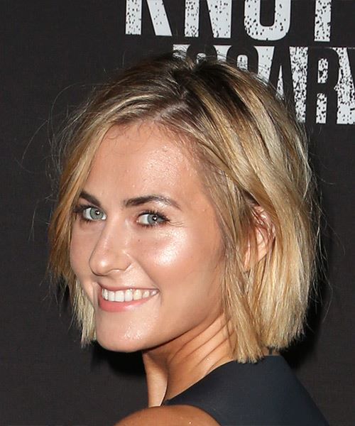Scout Taylor Compton Short Straight Casual Bob  Hairstyle   - Medium Blonde - Side View