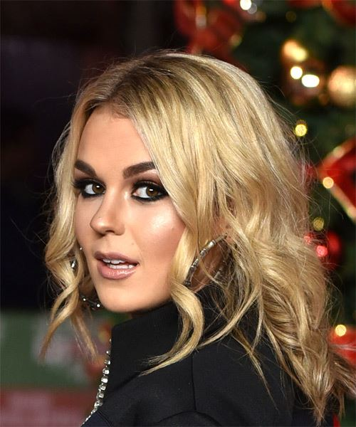 Tallia Storm Medium Wavy Casual Bob  Hairstyle   - Medium Blonde - Side View