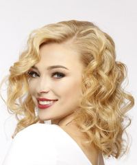 Medium Curly Casual  - Light Blonde (Golden) - side on view