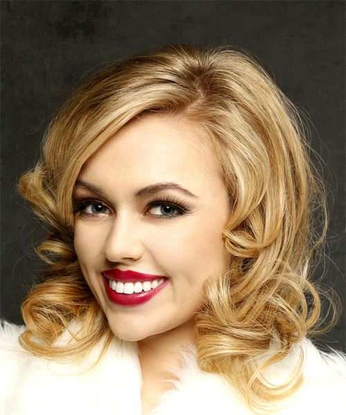 Medium Wavy Casual    Hairstyle with Side Swept Bangs  -  Blonde Hair Color - Side View