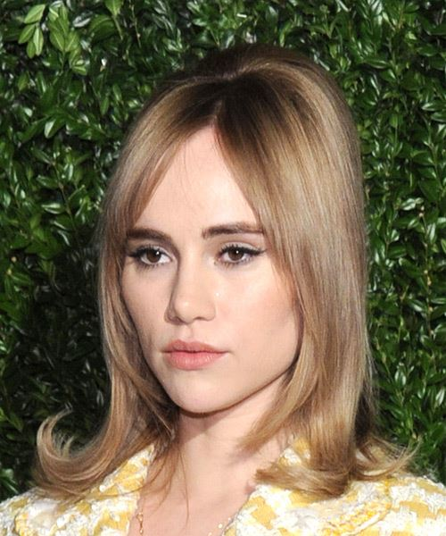 Suki Waterhouse Medium Straight Casual    Hairstyle with Layered Bangs  - Dark Blonde Hair Color - Side View