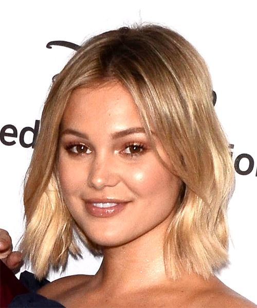 Olivia Holt Medium Straight Casual  Bob  Hairstyle   - Medium Blonde Hair Color - Side View