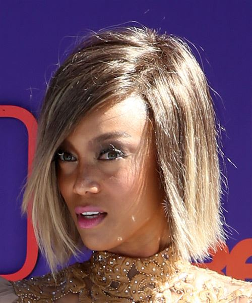 Tyra Banks Medium Straight Casual  Bob  Hairstyle   -  Brunette and Light Blonde Two-Tone Hair Color - Side View