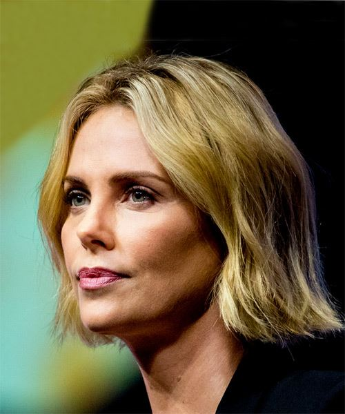 Charlize Theron Short Straight   Light Blonde Bob  Haircut   - Side View
