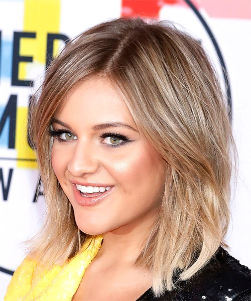 Kelsea Ballerini Medium Straight    Blonde and Light Blonde Two-Tone Bob  Haircut   - Side View
