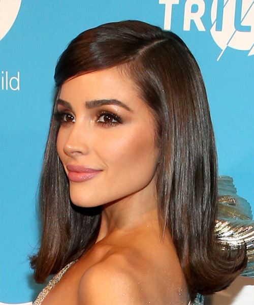 Olivia Culpo Medium Straight   Dark Brunette   Hairstyle with Side Swept Bangs  - Side View