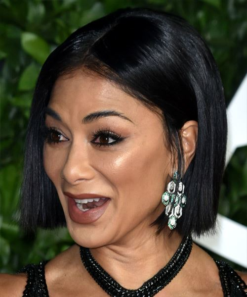 Nicole Scherzinger Short Straight   Black  Bob  Haircut with Blunt Cut Bangs  - Side View
