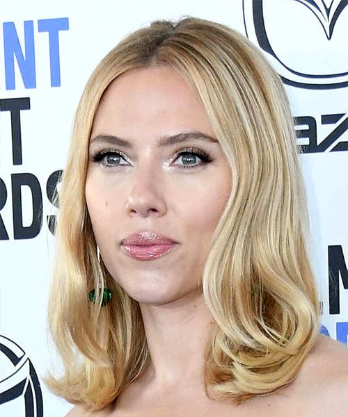Scarlett Johansson Medium Straight    Blonde   Hairstyle   with Light Blonde Highlights - Side View