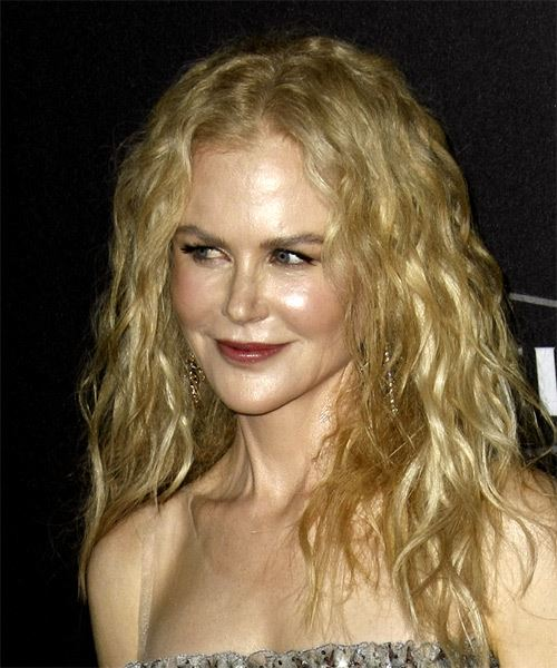 Nicole Kidman Long Wavy    Blonde   Hairstyle   - Side View