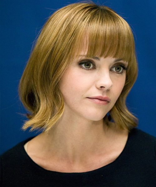 Christina Ricci Medium Straight Casual   Hairstyle   - Side View