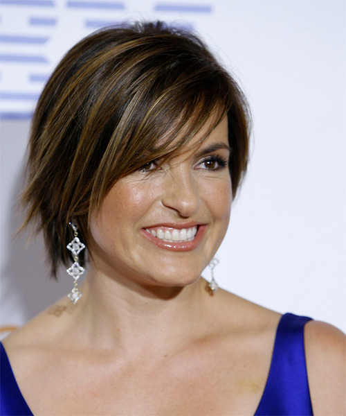 Mariska Hargitay Short Straight Casual   Hairstyle with Side Swept Bangs  - Dark Brunette - Side View
