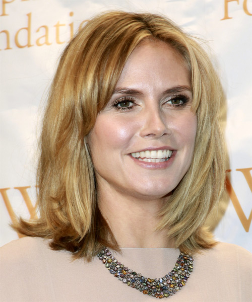 Heidi Klum Medium Straight Casual    Hairstyle   - Medium Caramel Blonde Hair Color with Light Blonde Highlights - Side View