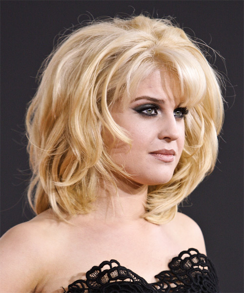 Kelly Osbourne Medium Straight Formal   Hairstyle   - Side View