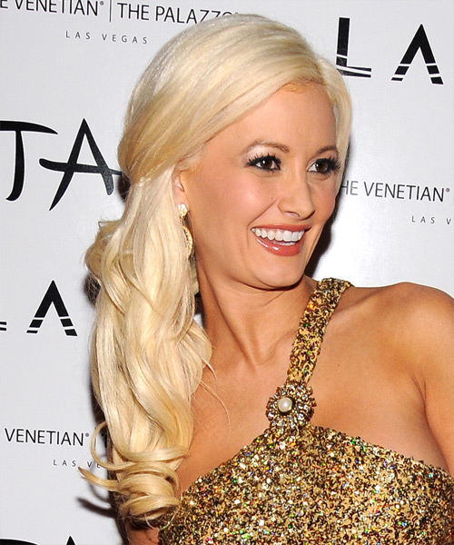 Holly Madison Long Wavy Formal   Hairstyle   - Side View