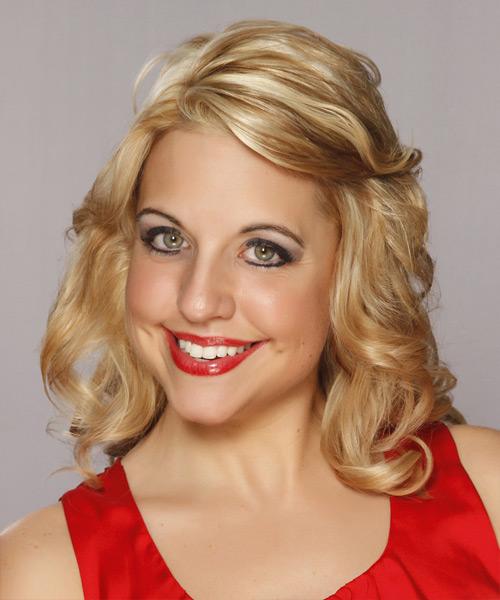 Medium Wavy Layered   Blonde Bob  Haircut   with Light Blonde Highlights - Side View