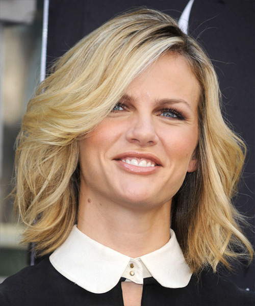 Brooklyn Decker Medium Wavy Casual Bob  Hairstyle with Side Swept Bangs  - Medium Blonde - Side View
