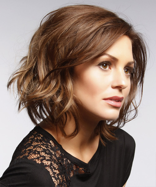Short Wavy Casual   Hairstyle   - Medium Brunette (Chocolate) - Side View