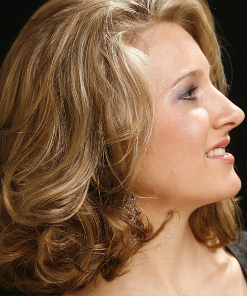 Medium Wavy Casual   Hairstyle   - Dark Blonde - Side View
