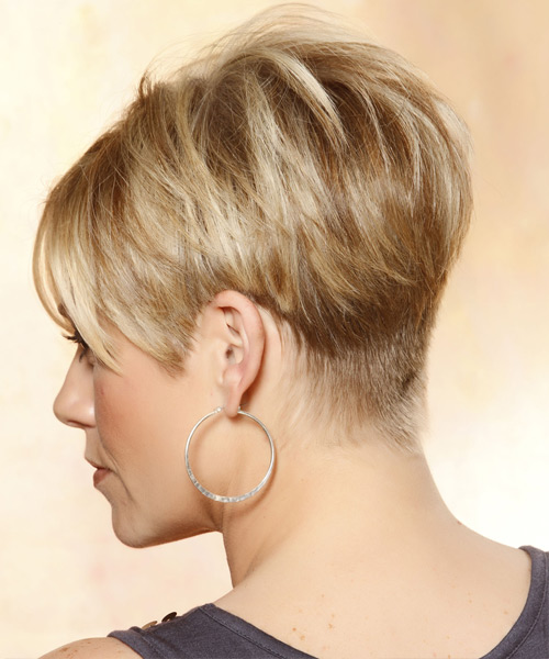 Short Straight Casual    Hairstyle with Side Swept Bangs  - Medium Caramel Blonde Hair Color with Light Blonde Highlights - Side View