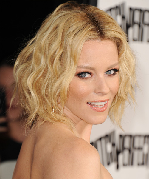 Elizabeth Banks Short Wavy    Golden Blonde   Hairstyle   with Light Blonde Highlights - Side View