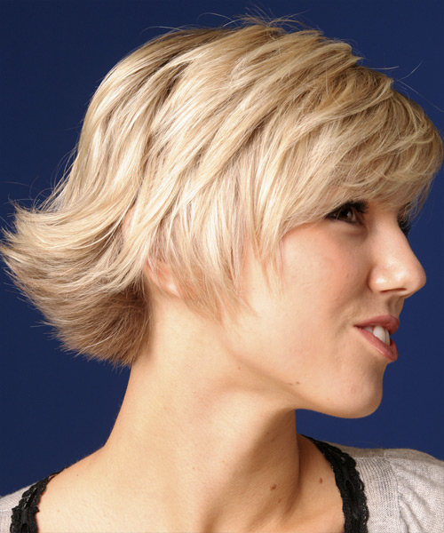 Short Straight Casual    Hairstyle   - Light Strawberry Blonde Hair Color - Side View