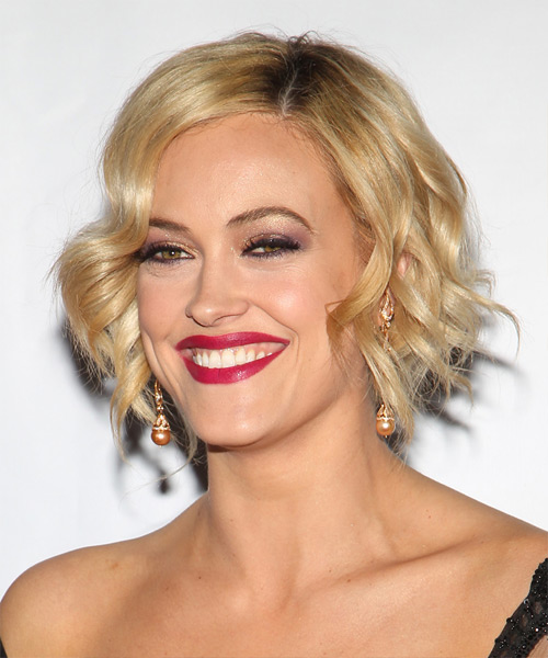Short Wavy Formal   - Medium Blonde (Golden) - Side View