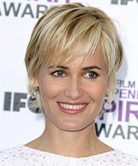 Judith Godreche Short Straight Casual    Hairstyle with Layered Bangs  - Dark Champagne Blonde Hair Color with Light Blonde Highlights