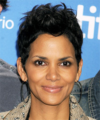 Halle Berry Short Straight Casual    Hairstyle
