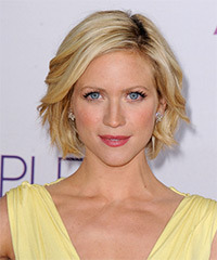 Brittany Snow Short Straight Casual    Hairstyle   -  Honey Blonde Hair Color with Light Blonde Highlights