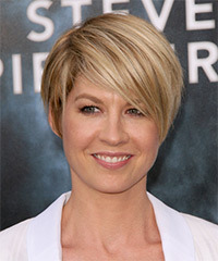 Jenna Elfman Short Straight Casual    Hairstyle   -  Golden Blonde Hair Color with Light Blonde Highlights