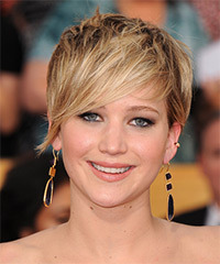Jennifer Lawrence Short Straight Casual    Hairstyle   - Dark Blonde Hair Color with Light Blonde Highlights