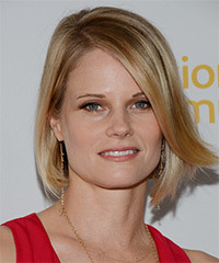 Joelle Carter Medium Straight Formal Layered Bob  Hairstyle with Side Swept Bangs  -  Golden Blonde Hair Color with Light Blonde Highlights