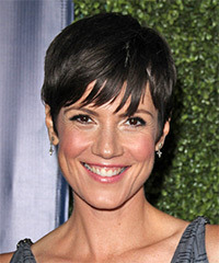 Zoe McLellan Short Straight Casual    Hairstyle   - Black  Hair Color