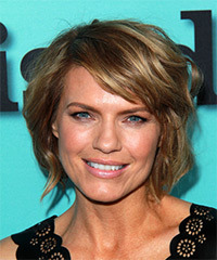Kathleen Rose Perkins Short Straight Casual    Hairstyle with Side Swept Bangs  - Golden Hair Color