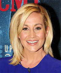 Kellie Pickler Medium Straight Casual    Hairstyle   -  Honey Blonde Hair Color