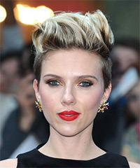 Scarlett Johansson Short Straight Casual    Hairstyle   -  Brunette Hair Color with Light Blonde Highlights