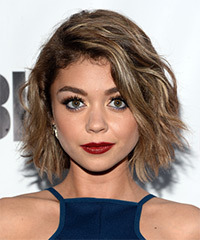Sarah Hyland Medium Wavy Casual    Hairstyle   - Light Caramel Brunette Hair Color with Light Blonde Highlights