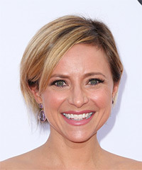 Christine Lakin Short Straight Casual  Bob  Hairstyle with Side Swept Bangs  -  Honey Blonde Hair Color