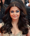 Aishwarya Rai Long Wavy   Black    Hairstyle