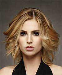 Medium Wavy Casual Bob - Dark Blonde (Honey)