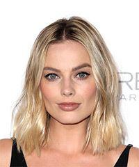 Margot Robbie Medium Wavy Casual  Bob  Hairstyle   - Light Blonde Hair Color