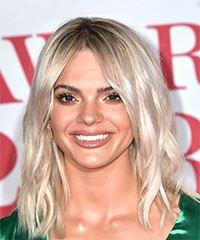 Louisa Johnson Medium Wavy Casual  Bob  Hairstyle   - Light Ash Blonde Hair Color