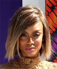 Tyra Banks Medium Straight Casual  Bob  Hairstyle   -  Brunette and Light Blonde Two-Tone Hair Color