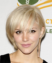 Katharine McPhee Short Straight Casual    Hairstyle
